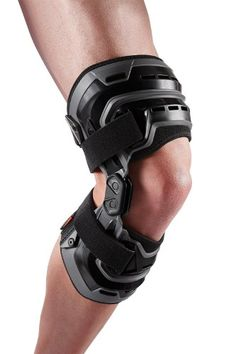 McDavid Bio-Logix Left Knee Brace Black - Sport Medicine And Accessories at Academy Sports Common Knee Injuries, Knee Injury, Acl Brace, Nylons, Knee Osteoarthritis, Compression Sleeves, Sports Medicine, Knee Pain, Braces