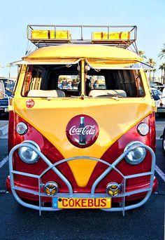 2 of my favorite things. Coca cola and the VW bus! Volkswagen Bus, Volkswagen Transporter, Vw Camper, Vw Caravan, T3 Vw, Campers, Volkswagen Beetles, Vw Minibus, Combi Ww