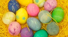 See what happened when we tested 6 new #Easter egg-dyeing kits >>