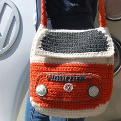 This crochet pattern (written in UK terms) is to make a Bay Campervan Shoulder Bag approximately 30cm/12″ square. I made the original in Wendy Serenity Super Chunky yarn (5 x 100g balls, 2 Chalk, 1 Jet and 2 x Marmalade – each ball has approximately 80 metres of yarn so make sure you have enough metres if you use an alternative brand). This is crocheted to a tension of 11 sts and 12 rows to 10cm/4 inches on a 6mm hook.