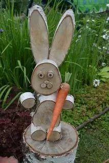 Ideas For Easter Wood Crafts Diy Bunnies Wood Log Crafts, Wood Slice Crafts, Christmas Wood, Christmas Crafts, Wood Projects, Craft Projects, Garden Projects, Wood Animal, Diy Ostern