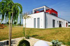 Einfamilienhaus PURE –Moderne Bauhaus-Villa mit großzügiger Dachterrasse #schönerwohnen #holzhaus #bauenmitholz #wohnhaus #einfamilienhaus #modernwohnenmitholz #architektur #architecture #bauhausvilla #bauhaus #modern #dachterrasse