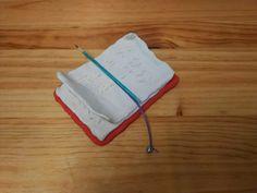 "DETRASDELMAPAMUNDI : Libro de notas de ""plasti"", con lápiz de brocheta (manualidades para niños)"