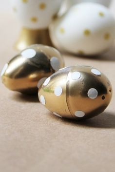 diy-gold-polka-dot-e