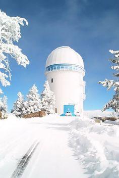 Observatorio San Pedro Martir bajo la nieve en Baja California
