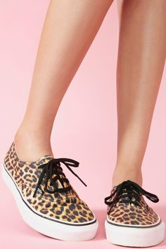 My hairdresser had these on today and I am heading to Vans to get a pair of my very own... <3