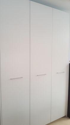 ¿ Sabías que podemos fabricar el mobiliario de tu oficina según tus necesidades ? Os esperamos en www.arnit.es #cocinasymas #mublesdeoficina