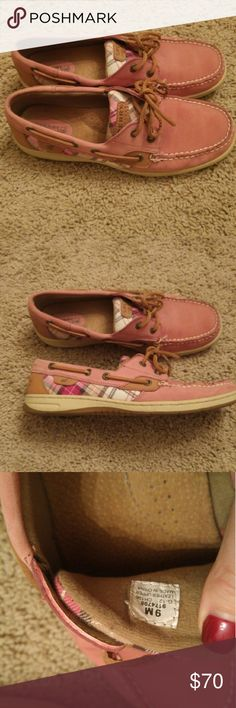 Sperry Top-Sider bluefish red boat shoe Pink plaid Sperrys in near perfect condition. Only worn once or twice, I just have too many pairs! Sperry Top-Sider Shoes Flats & Loafers