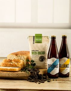 gifts: Garlic And Herb Craft Beer Gift Box! Gift Boxes Online, Craft Beer Gifts, Alcohol Gifts, Beer Bread, Gourmet Gifts, Garlic, Christmas Gifts, Herbs, Crafts