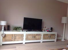 Tv kast old wood