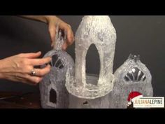 DIY Frozen Castel with hot glue and empty bottles Castel congelado DIY com cola quente e garrafas vazias Fairy Crafts, Fun Crafts, Diy And Crafts, Crafts For Kids, Fairy Tree Houses, Garden Houses, Bottle House, Plastic Bottle Crafts, Plastic Bottles