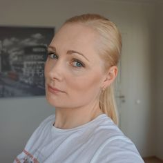 Simple no makeup makeup look created with budget-friendly makeup products from Bourjois, Essence Cosmetics and L'Oréal Paris. Neutral Makeup, Essence Cosmetics, Daily Makeup, False Lashes, Loreal Paris, Looking Gorgeous, Makeup Products, Eyebrows