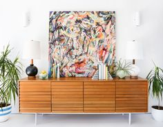 A Modern Makeover with method - Emily Henderson Sideboard Dekor, Credenza Decor, Modern Interior Design, Modern Decor, Modern Wall, Dining Room Corner, Dining Rooms, Dining Tables, Dining Chair