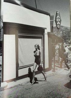 Vintage / Other Iconic Helmut Newton Vogue Paris 1977 | www.resee.com