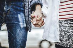 L'aime-t-on, ou s'y est-on habitué ? La frontière entre ces sentiments est parfois mince. La psychanalyste Florence Lautrédou, spécialiste du couple, nous donne des éléments de réponse.