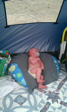 5 tips for taking a newborn to the beach
