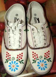 Kalocsa pattern Hand Painted, Sneakers, Clothing, Pattern, Shoes, Fashion, Tennis, Outfits, Moda