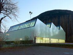 Salle de sport triple / meyer architecture, savioz fabrizzi architectes