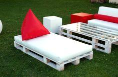 Muebles de palés de Fiaka Ambient http://www.fiaka.es/blog/muebles-de-palets-decoracion-terrazas-fiaka-ambient/