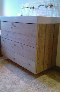 Betonnen wastafel met oud eiken ladekast www for Zelf maken badkamermeubel