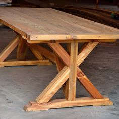 There's all sorts of design decisions to consider when building a #table. One of the biggest questions is what type of base to create. We want to know, do you prefer simple a simple table base or a more detailed one? #Evolutia #custommade #reclaimedwoodtable #nofilter [www.evolutiamade.com]