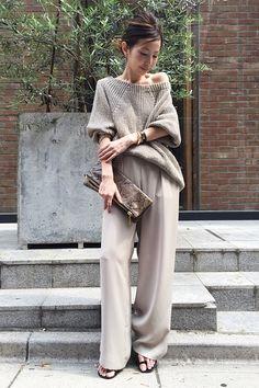 15 luxurious neutral looks: casual wardrobe - Absolute Beauty Tips Fashion Pants, Love Fashion, Winter Fashion, Fashion Outfits, Womens Fashion, Fashion Design, Fashion Books, Casual Elegance, Street Style Women