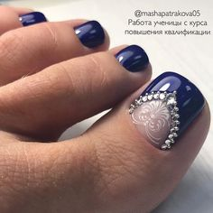 15 trendy wedding nails toes pedicures bling The post 15 trendy wedding nails toes pedicures bling & peinados y belleza appeared first on Nails . Pedicure Designs, Pedicure Nail Art, Toe Nail Art, Pedicure Ideas, Simple Wedding Nails, Wedding Nails Design, Trendy Wedding, Wedding Pedicure, Wedding Toe Nails