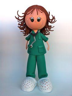 Fofucha Doctora personalizada con Goma Eva.