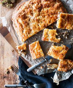 Peltilihapiirakka   Maku Savoury Baking, Tapas, Nom Nom, French Toast, Clean Eating, Food And Drink, Healthy Recipes, Healthy Food, Bread