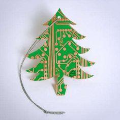 Geek Chic Christmas Tree Decorations #DIY trendhunter.com