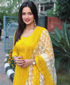 Patiala Salwar, Anarkali, Simple Outfits, Classy Outfits, Trendy Dresses, Girls Dresses, Dress Outfits, Fashion Dresses, Fashion Clothes