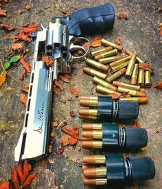 «Tag a friend who would like this❤ # plz double tab if you love it . Weapons Guns, Guns And Ammo, Airsoft, Revolver Pistol, Survival, Fire Powers, Cool Guns, Awesome Guns, Self Defense