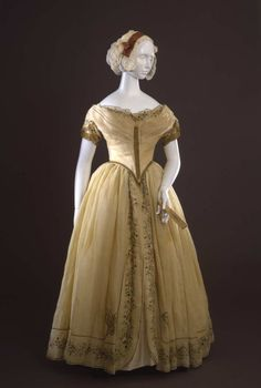 Evening dress ca. 1845  From the Galleria del Costume di Palazzo Pitt