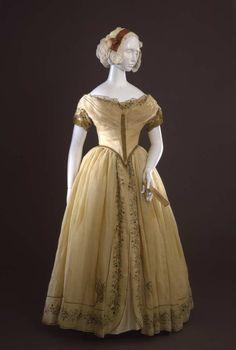 Evening dress ca. 1845  From the Galleria del Costume di Palazzo Pitt