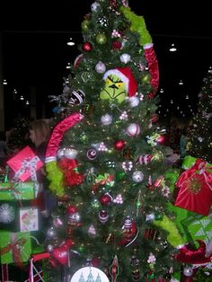 Literary Themed Christmas Tree, The Grinch