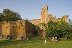 Sovana, le rovine del Castello