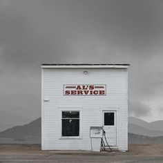 http://www.fubiz.net/2015/04/08/abandoned-and-isolated-signs-of-human-beings/