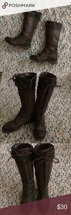 White Mountain brand lace up boots size 8 Check out these Sassy ! White mountain boots. Size-8 . Colors- light brown, dark brown. Gold tone hardware. Zip up closure. Gently loved! But still great!! white mountain Shoes Lace Up Boots