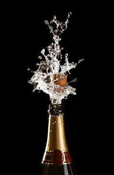 Happy new year. Champagne Taste, Champagne Bottles, Champagne Vinegar, Moet Chandon, New Year's Eve Celebrations, Happy New Year Images, Silvester Party, Rose Wallpaper, Nouvel An