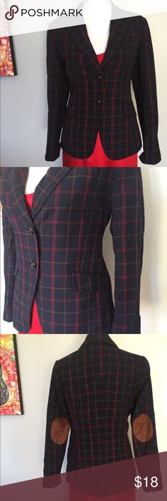 Navy Plaid Blazer Winter plaid blazer with decorative (not leather) elbow pads. Fully lined with inside breast pocket. Very minor fuzzballing. Fits a size 6/8 well. Canyon River Blues Jackets & Coats Blazers