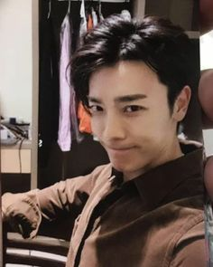 Told ya he's actually good in taking selfies😎💗💗 cr. Super Junior Donghae, Dong Hae, Taking Selfies, Lee Donghae, Korean Artist, Korean Singer, Boy Bands, Rapper, Actors