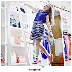 Hoje nossa consultora de moda, Cris Pinheiro Guimarães, fez a produção de moda da pequena Joana Gadelha, que está arrasando com escarpin, saia, blusa, pulseiras e bolsa da Kate Spade New York. Foto de Miguel Sá.