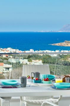 Mornings with views are the best way to start your days on your in Crete! Villa Elysium in Kalamaki, Chania! Greece Itinerary, Greece Honeymoon, Greece Travel, Crete Greece, Crete Chania, Heraklion, Beautiful Islands, Beautiful Places, Santorini House