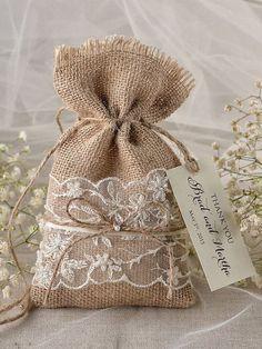 wedding Favors Rustic Burlap Favor Bags and tags Unusual Wedding Favours, Rustic Wedding Favors, Wedding Favor Bags, Handmade Wedding, Rustic Weddings, Wedding Burlap, Baby Wedding, Wedding Decorations, Wedding Ideas