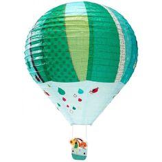 Engeltjes & Draken | Lilliputiens | lampion Jef Jef en Colette gaan aan boord van een magische luchtballon met een sprookjesachtige en kleurrijke print. Doe het licht uit en ontdek op de papieren lamp nieuwe tekeningen en figuurtjes die oplichten in het donker. Super! #kinderkamer #verlichting #lamp #lampion #jef #kinderkamerlamp #babykamer #babykamerlamp #hondje
