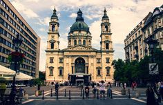 St.Stephen Basilica. It is named in honour of  Stephen, the first King of Hungary (c 975–1038), whose supposed right hand is housed in the reliquary. Today, it is the third largest church building in present-day Hungary.