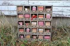 Construir un hotel de inspiración vintage organizador cubículo. | 21 Pottery Barn Inspired DIYs