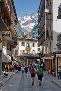 Una veduta di Courmayeur in Valle d'Aosta, scatto di Stefano Venturini