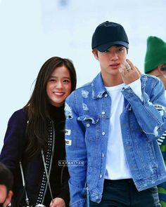Jin, Bts Girl, Kpop Couples, Blackpink And Bts, Couple Photography Poses, Blackpink Photos, Best Couple, My Idol, Candid