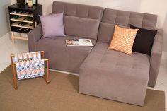 Se você tem uma sala grande, dê uma espiada em como dispor móveis em uma sala grande; e se seu espaço for menor, como dispor móveis em uma sala pequena; por último, mas não menos importante, vale ler sobre como dispor os sofás na sala antes de bater o martelo e escolher o seu. Sala de estar com sofá retrátil, almofadas coloridas, revisteiro diy, tapete, e adega moderna. Interior Accessories, Sofas, Sweet Home, Couch, Furniture, Design, Home Decor, Closet, Instagram